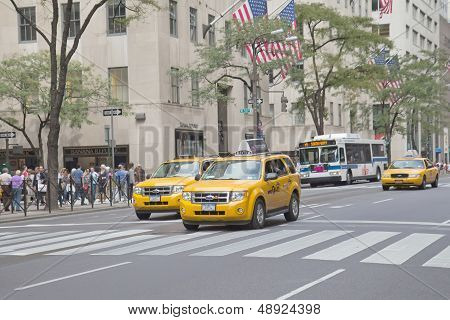 Traffic At 5Th Avenue (new York City)