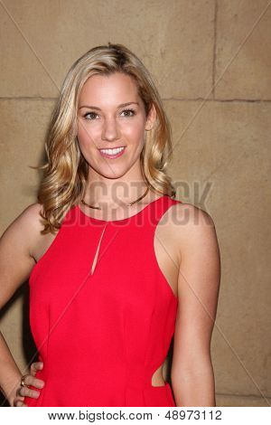 LOS ANGELES - AUG 5:  Carly Craig arrives at the