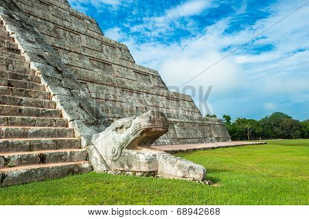 El Castillo Or Temple Of Kukulkan Pyramid, Chichen Itza, Yucatan, Mexico