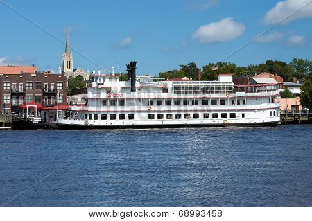 Henrietta III Riverboat