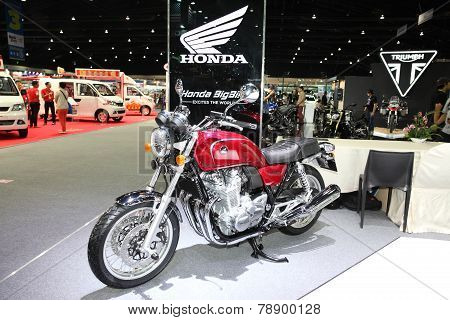 Ovember 28: Honda Cb1100 Motorcycle On Display At The Motor Expo 2014 On November 28, 2014 In Bangko