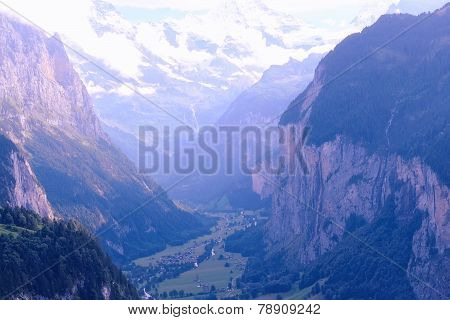 Lauterbrunnen Valley (Switzerland, Jungfrauregion)