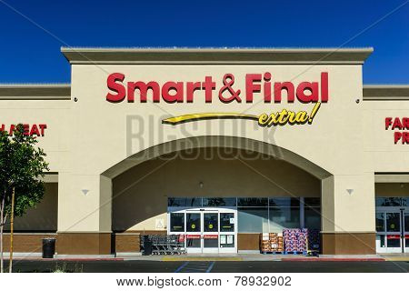 Smart And Final Retail Store Exterior