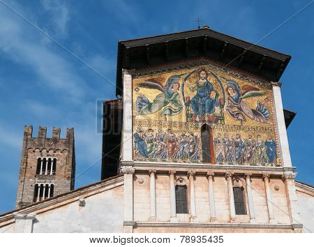 Basilica Di San Frediano In Lucca - Exterior View