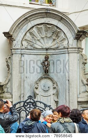Manneken Pis Sculpture In Brussels
