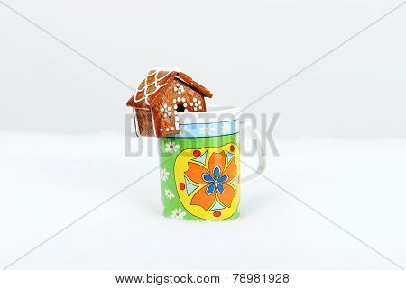 The Hand-made Eatable Gingerbread Houses On A Cup And Snow Decoration