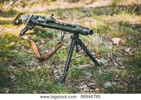 German Guns Of World War II - A MG 42 Machine-gun