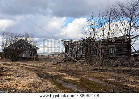 Abandoned wooden house in the countryside
