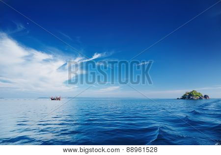Seascape with calm sea and blue sky, Trat archipelago, Thailand