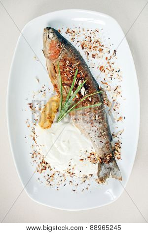 trout fish baked with nuts