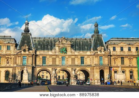 Entrance To The Louvre In Paris
