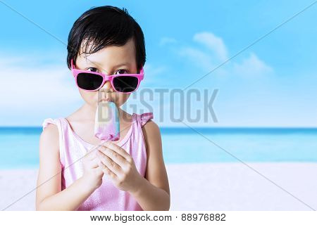 Kid Enjoy Ice Cream