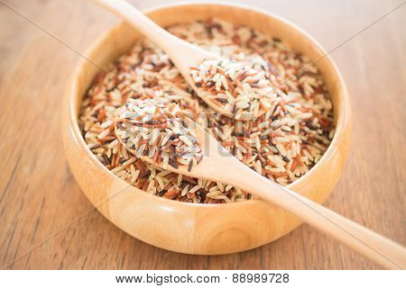 Multi Whole Grain Of Organic Jasmine Rice