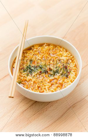 Hot and spicy instant noodle