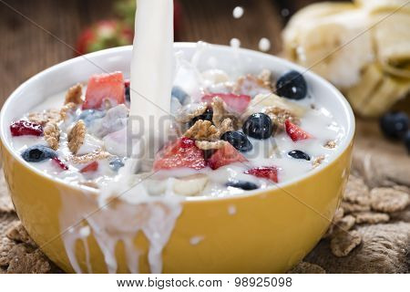 Cornflakes With Fresh Fruits And Milk