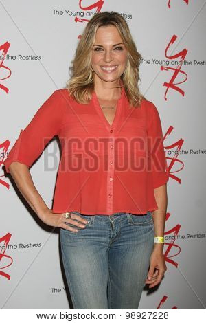 LOS ANGELES - AUG 15:  Kelly Sullivan at the