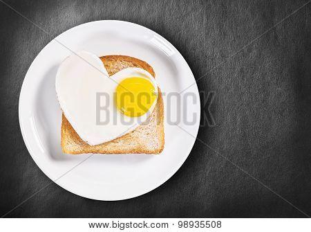 Heart-shaped Fried Eggs And Fried Toast