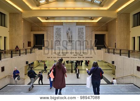 Brussels, Belgium - May 12, 2015: Travellers In The Main Lobby Of Brussels Central Train Station