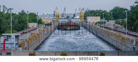 Cargo Barge Bulk