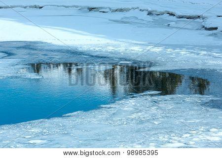 Winter Mountain Lake.