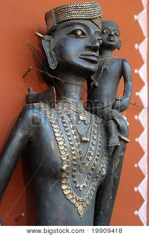 Tribal Lady With Child Statue