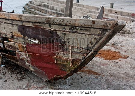 Old Boat Moulder