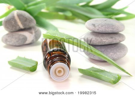 Aloe Vera Drops With Bottles