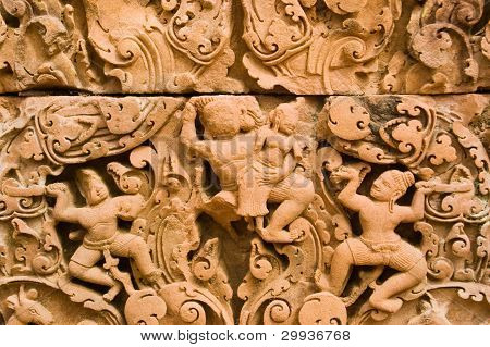 Ravan abducting Sita carving