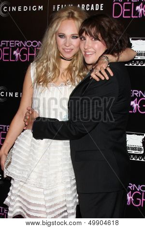 LOS ANGELES - AUG 19:  Juno Temple, Jill Soloway at the