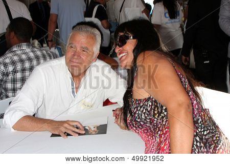 LOS ANGELES - AUG 23:  John McCook at the Bold and Beautiful Fan Meet and Greet at the Farmers Market on August 23, 2013 in Los Angeles, CA