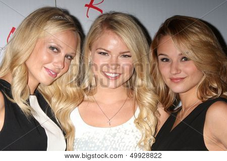 LOS ANGELES - AUG 24:  Melissa Ordway, Kelli Goss, Hunter King at the Young & Restless Fan Club Dinner at the Universal Sheraton Hotel on August 24, 2013 in Los Angeles, CA