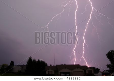 Doble Lightning Strike
