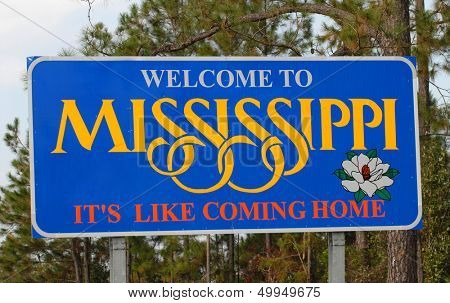 A Mississippi welcoming sign along a highway