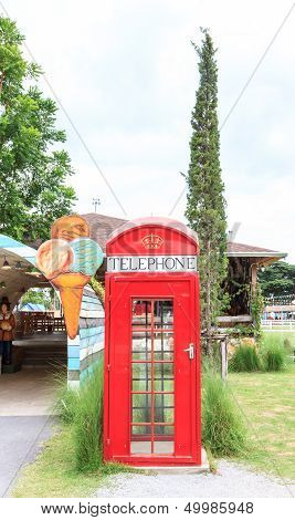 Old Stly Red Phone Box
