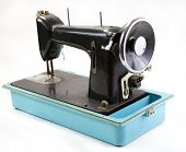 picture of thread-making  - old sewing machine - JPG