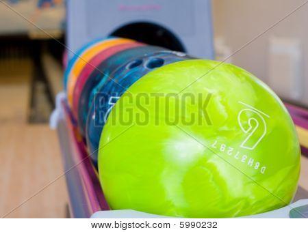 bolas de bowling de colores