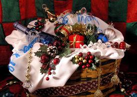 image of gift basket  - gift basket including wine - JPG
