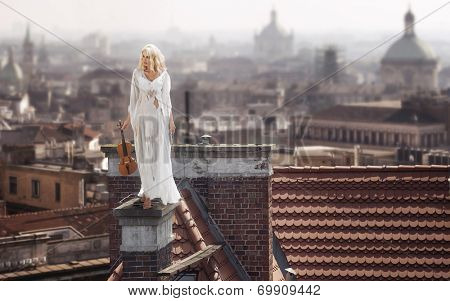 Blond haired woman with violin