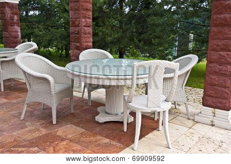 Table and chairs garden furniture.
