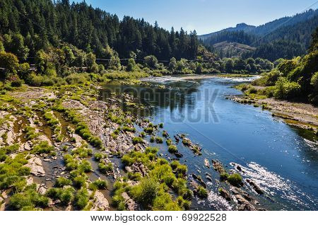River Flowing In Oregon, Usa