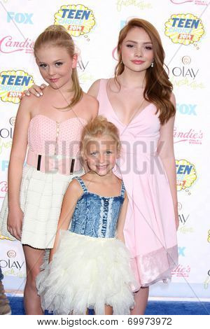 LOS ANGELES - AUG 10:  Alyvia Alyn Lind, Emily Alyn Lind, Natalie Alyn Lind at the 2014 Teen Choice Awards Press Room at Shrine Auditorium on August 10, 2014 in Los Angeles, CA