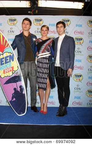 LOS ANGELES - AUG 10:  Ansel Elgort, Shailene Woodley, Nat Wolff at the 2014 Teen Choice Awards Press Room at Shrine Auditorium on August 10, 2014 in Los Angeles, CA