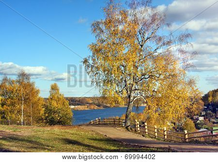 Autumnal Nature, Ples