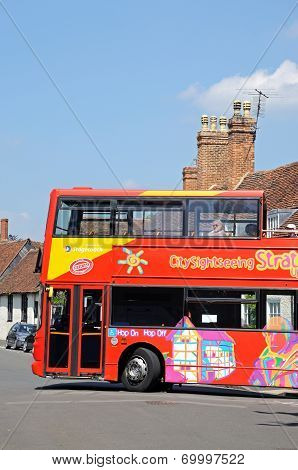 Red tour bus, Stratford-upon-Avon.