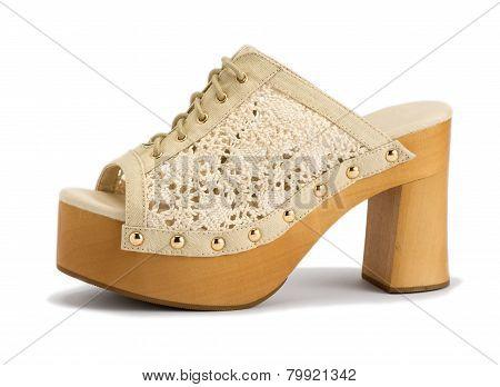 Fashionable Summer Shoe With Medium Size Heels