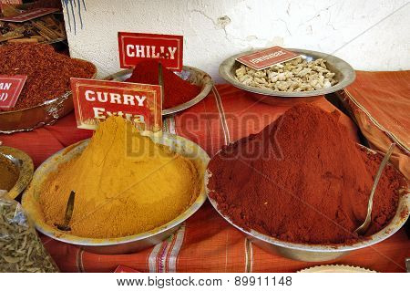 Curry And Chilly