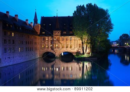 View of the Pegnitz River in Nuremberg at night