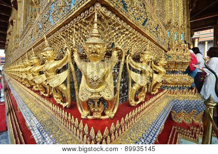 Tourists Visit Royal Grand Palace