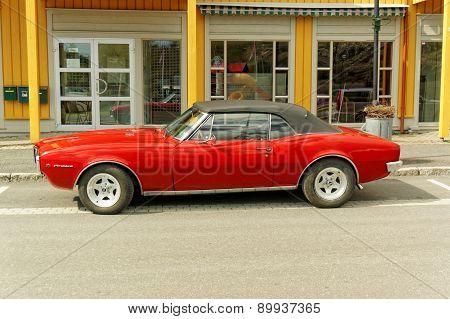 Pontiac Firebird In Red