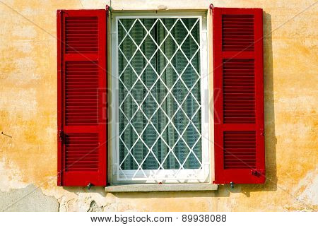 Red Window  Varano Borghi Palaces Italy   Abstract  Sunny Day  Tent Grate